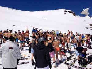 Esquiando en bikini